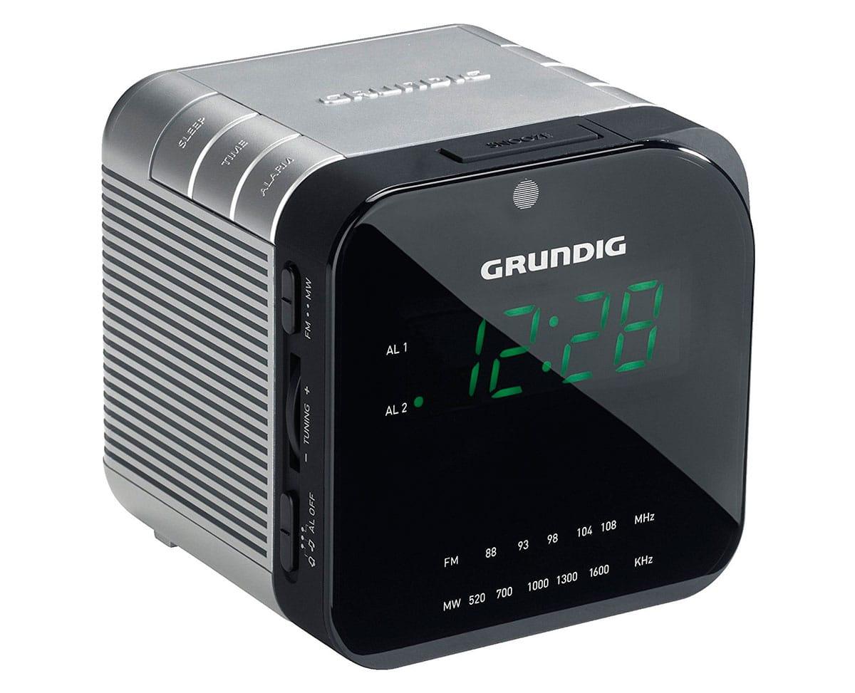 GRUNDIG SONOCLOCK 590 RADIO DESPERTADOR AM/FM CON 2 ALARMAS - SONOCLOCK 590