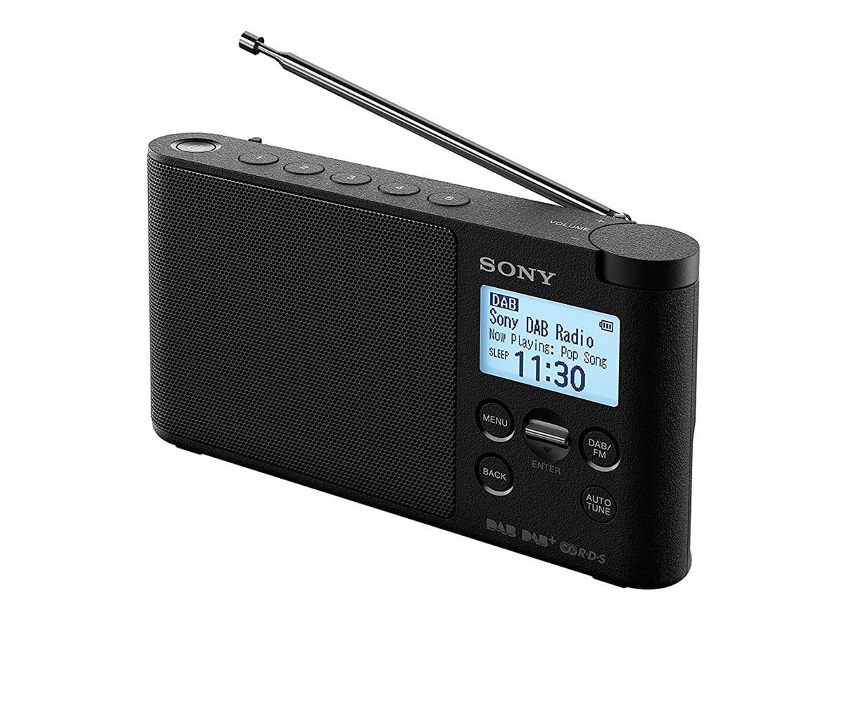 SONY XDR-S41D NEGRO RADIO DAB/DAB+ PORTÁTIL CON PANTALLA LCD PRESINTONÍAS DIRECTAS TEMPORIZADOR DE A - Radio DAB/DAB+ portátil Sony XDR-S41D en color negro con sintonizador de radio digital DAB/DAB+/FM, pantalla LCD retroiluminada en LED blanco, temporizador de apagado y despertador, 5 botones de presintonías DAB y FM, función a 4 pilas LR6 tamaño AA o adaptador de CA incluido.